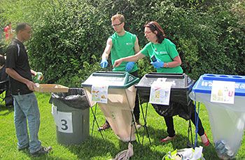 More Office of Sustainability volunteers helping sort waste at the President's Picnic